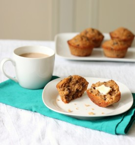 Muffins like to be surrounded by their friends : butter and hot cocoa.